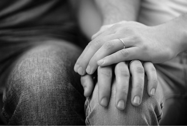 FIM DO MUNDO: Caso de mãe e filho que se assumiram como casal vai à Justiça
