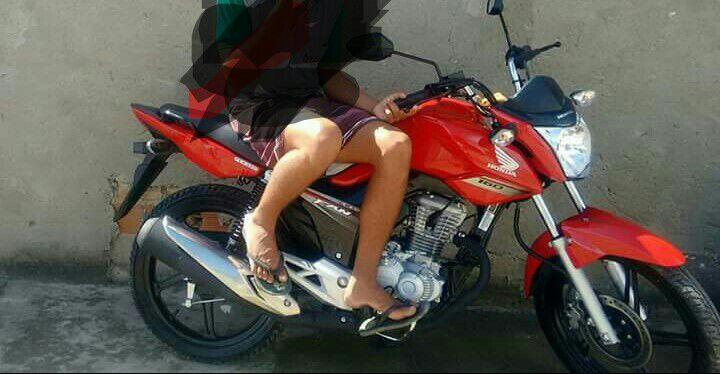 Homem tem moto tomada de assalto no bairro Santo Antônio dos Prazeres em Feira de Santana