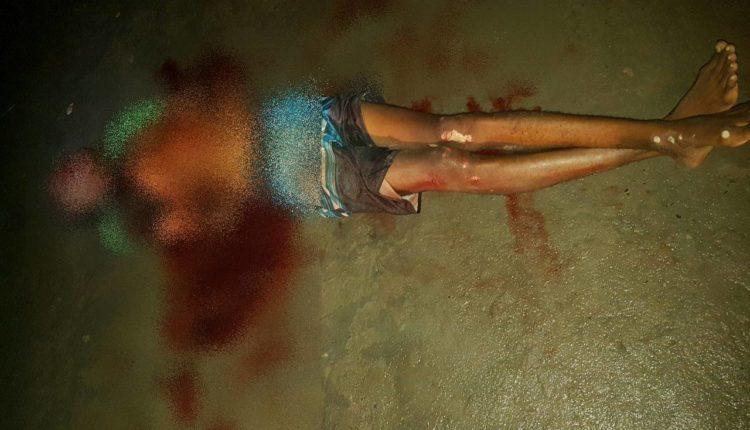 JOVEM FOI EXECUTADO A QUEIMA-ROUPA POR DOIS DESCONHECIDOS EM AMÉLIA RODRIGUES NA BAHIA Por Clóvis Gonçalves