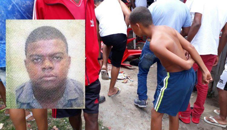 CHUVA DE BALAS: Um morre e três ficam feridos após serem baleados durante jogo de futebol