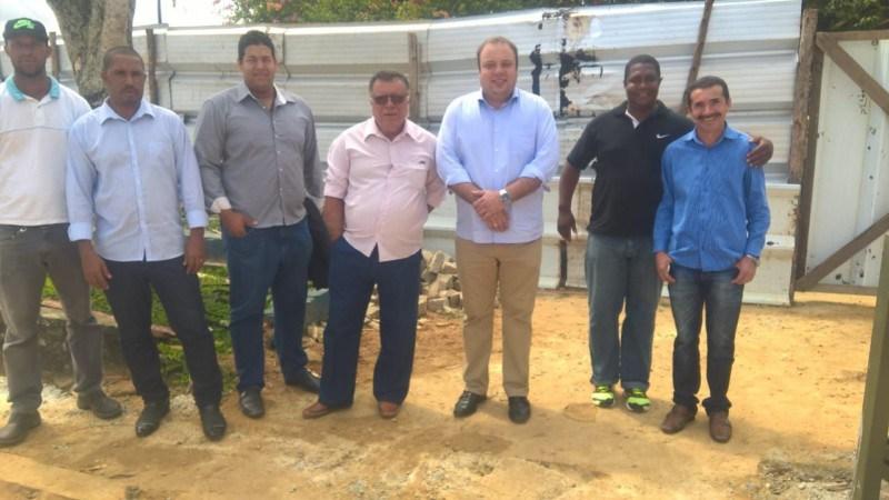 Pedrão – Prefeito Sosthenes Campos Acompanha Obras Da Quadra Poliesportiva