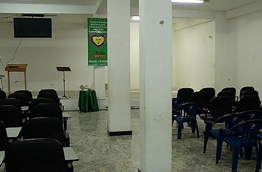 Fiéis são assaltados durante culto em igreja