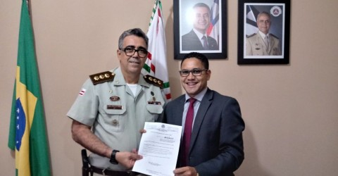 Câmara de Feira aprova Projeto de Lei de autoria do Ver. Ronaldo Caribé, Ron do Povo, que dispõe sobre a criação do Dia Municipal da Polícia Militar.