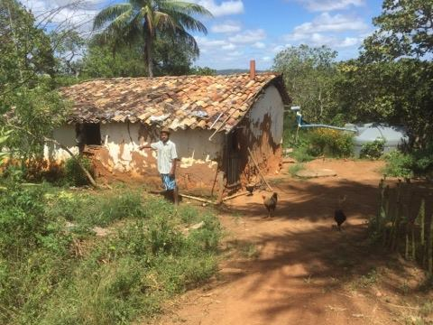 Grupo Prefeito Virtual Entrega Casa a Morador da Zona Rural