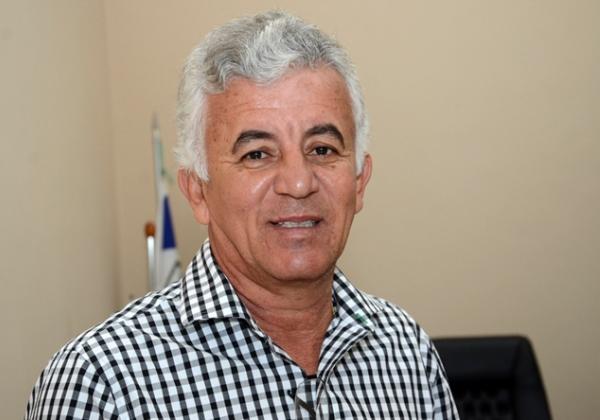 Ex-prefeito Paulo Cesar, da nota três a atual administração em Alagoinhas e fala de seu futuro político.