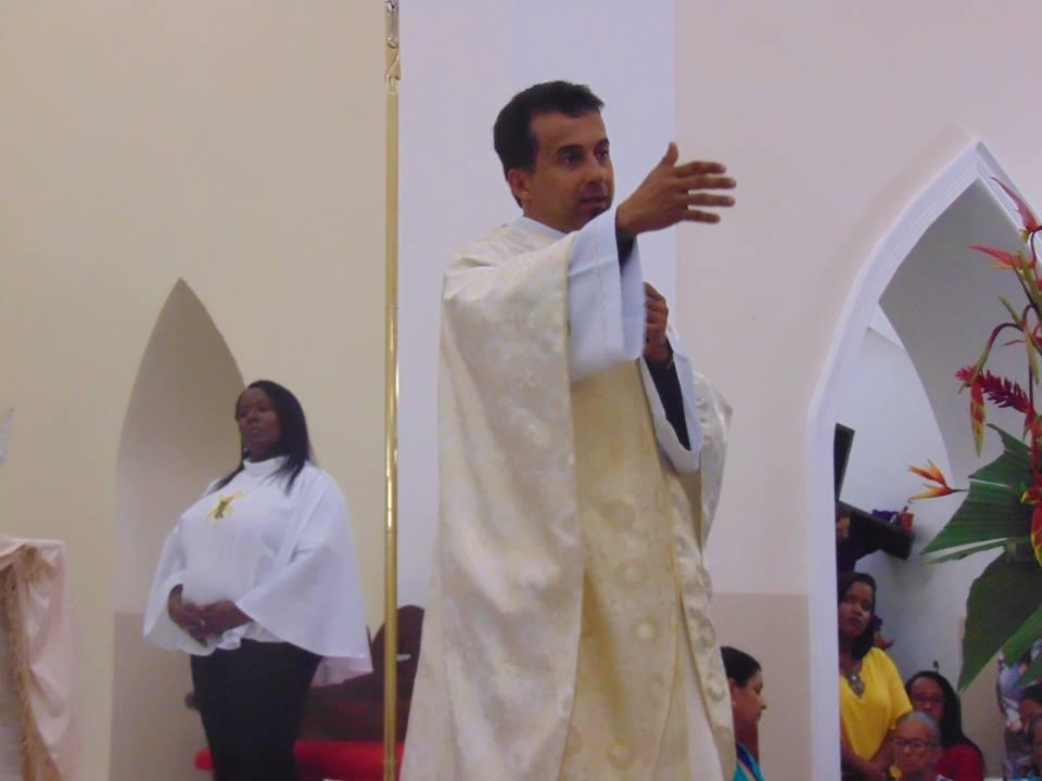 Padre Evangevaldo Almeida, faz aniversário nessa terça-feira (27/11), dê os parabéns ao Padre!