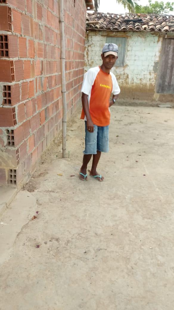 Pedrão: vereador Guito da Galinha construir casa para família carente