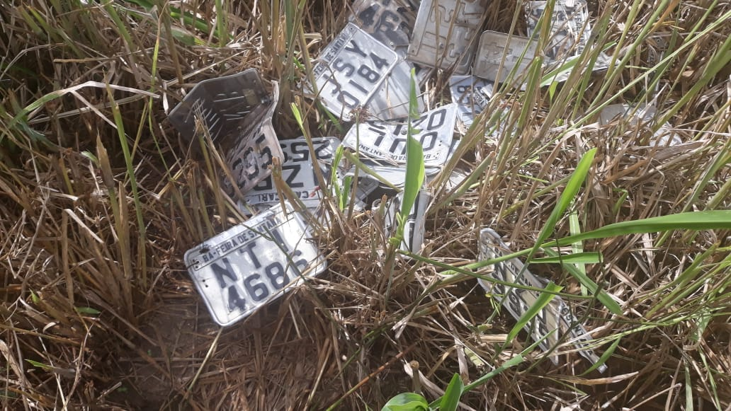 Corpo com perfurações de arma de fogo é encontrado em estrada vicinal do Coração de Maria.