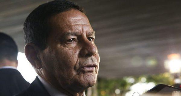 URGENTE: Mourão internado com suspeita de infarto