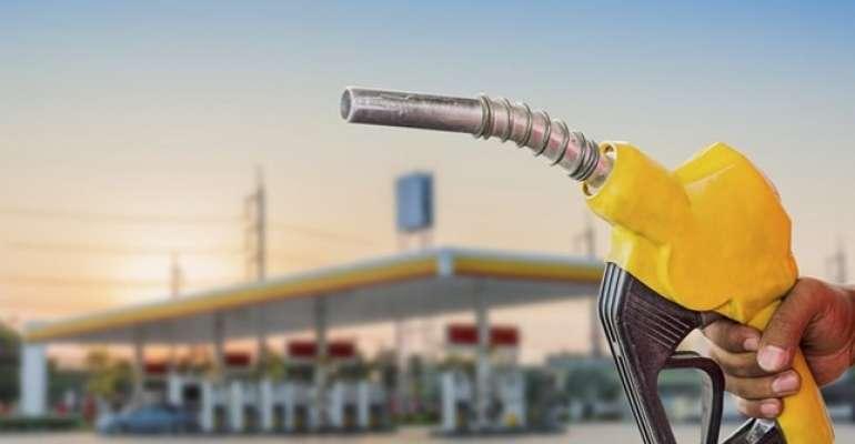 Postos vendem gasolina por metade do preço em Salvador no sábado (25)