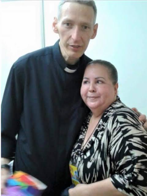 Mulher é presa por acusar falsamente Padre Marcelo Rossi de plágio