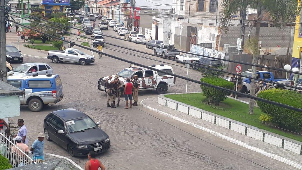 Muritiba: Criminosos amarram explosivos em subgerente durante tentativa de assalto ao Banco do Brasil