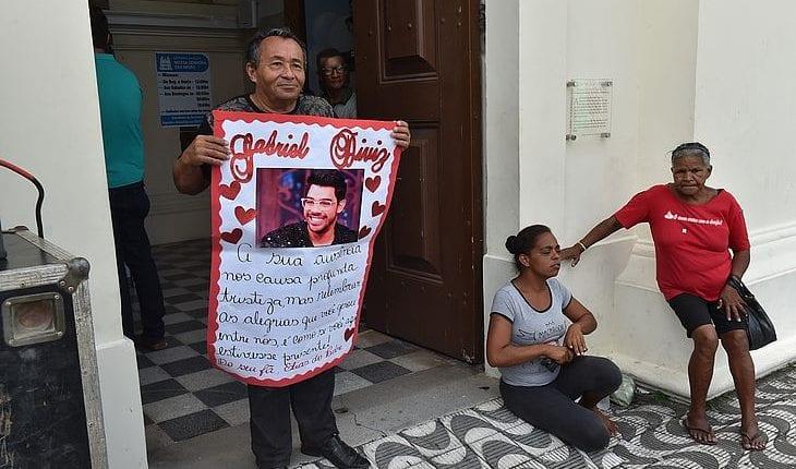 Em missa de 7º dia, pai de Gabriel Diniz diz que objetivo do músico era divulgar o amor