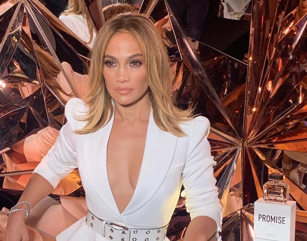 Jennifer Lopez é processada em R$ 615 mil por postar a própria foto no Instagram