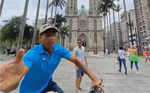 Turista fotografa tentativa de roubo do próprio celular