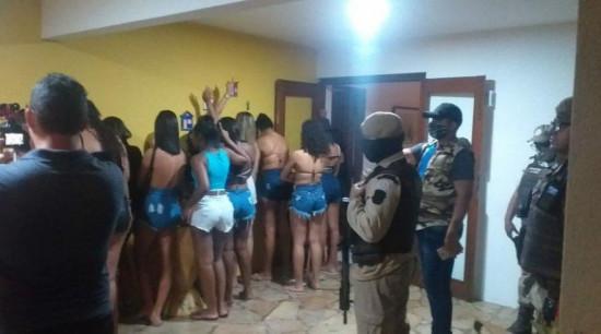 """""""Pandemia Fest"""" é encerrada pela polícia em Lauro de Freitas"""