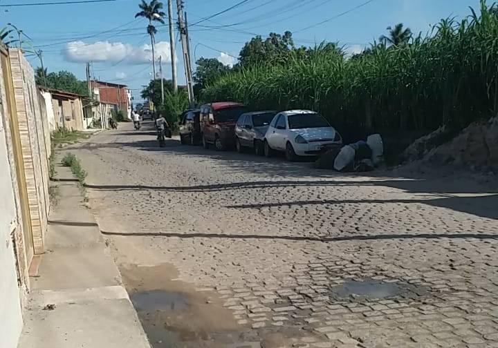 MADRUGADA DE TERROR! Bandidos arrombam casa roubam carro, dinheiro e celulares em Conceição do Jacuípe
