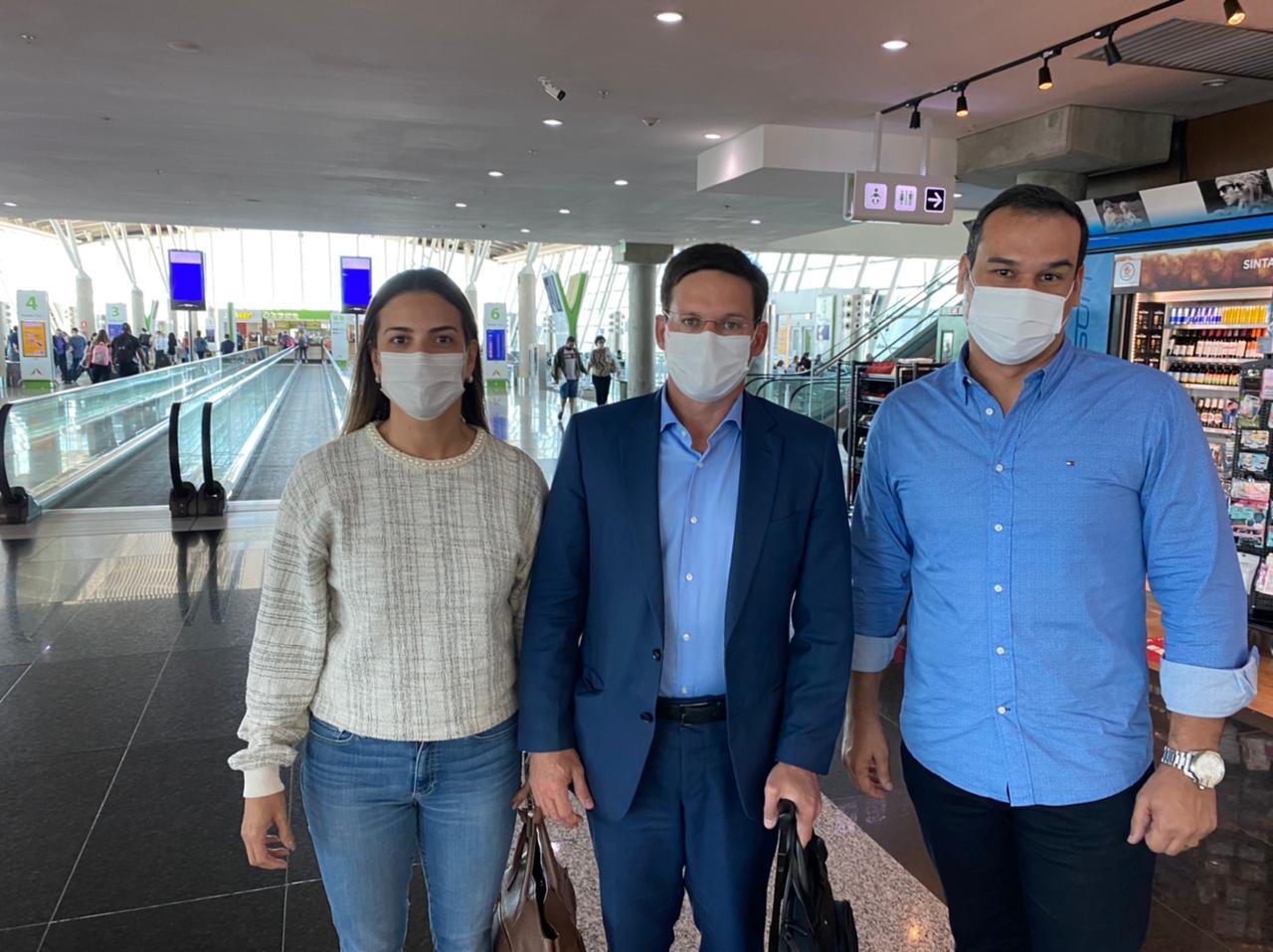 Prefeito Kley Lima e ministro João Roma embarcam no mesmo voo para Bahia