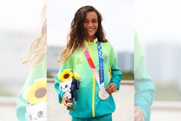 """""""Skate não é só para meninos"""", diz Fadinha após conquistar a prata"""