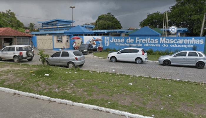 Provável parada cardíaca : Aluno de 15 anos morre dentro de escola em Camaçari