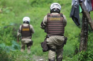 Irará: Grande quantidade de Crack, maconha e cocaína apreendidos pela PM; dois suspeitos presos