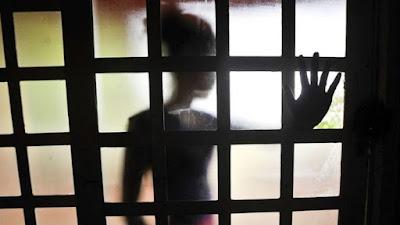 Homem é preso suspeito de estuprar menina de 11 anos com autorização da mãe dela