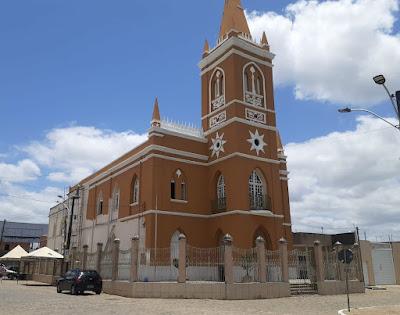 Igreja Matriz de Coração de Maria recebe nova pintura